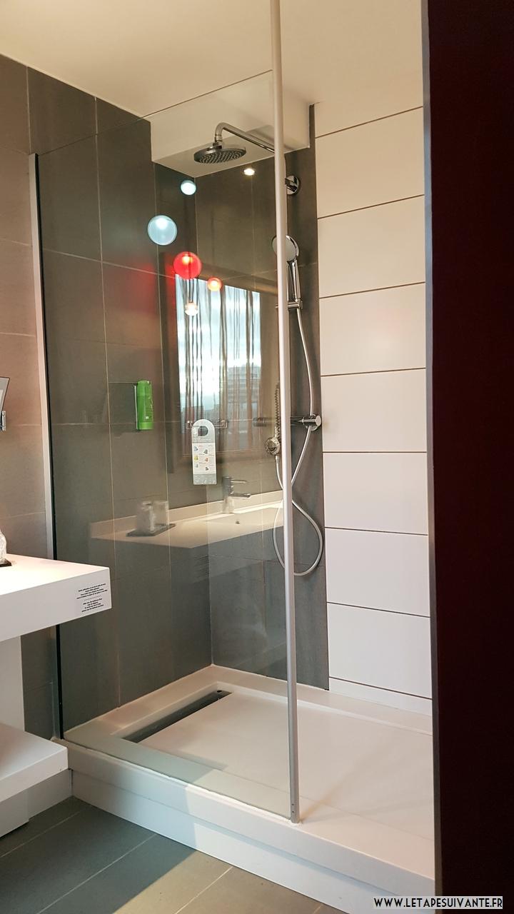hôtel à la Part Dieu Mercure salle de bain