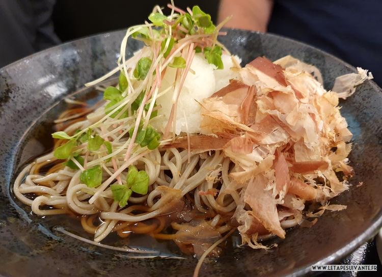 Soba froides aux flocons de bonite et au daikon râpé, les plats froids sont appréciés au Japon en août !