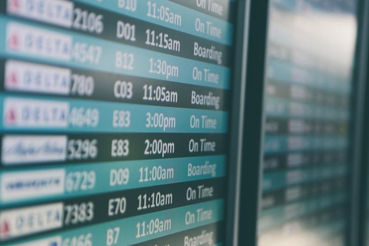 partir-en-voyage-vacances-scolaires-avion